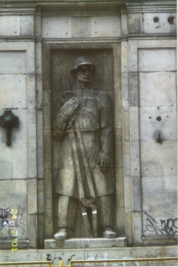 Stilisierte Figur eines klassischen Industriearbeiters, sozialistischer Realismus, Plac Konstytucji, Warszawa/Warschau